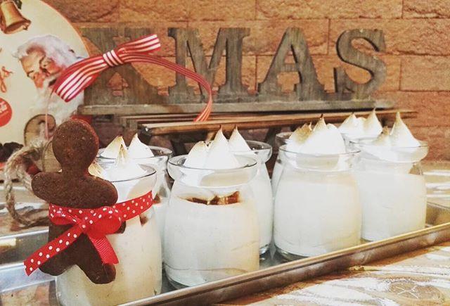 Un dolce buongiorno per voi🏻️La creatività non ha mai fine...Per voi Egg Nog️Meringa e Gingerbread...C'è aria di Natale e voi non potete non assaggiare questa deliziaVi aspettiamo in store per iniziare al meglio la giornata🏻#emporiobrand #tempodinatale #xmas #dolci #lab #pasticceria #handmade #sweet #cake #eggnog #conceptstore #drinkdresslive #conceptstore