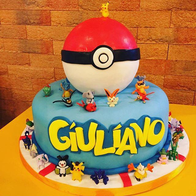 Per il nostro piccolo amico Giuliano la sua Pasticcera Di fiducia Ramona ha creato la POKÉMON'S CAKE️Realizziamo le torte dei vostri sogni️#emporiobrand #emporioconceptstore #sweet #cake #cakedesign #lab #pasticceria #ladispoli #pokemon #handmadewithlove