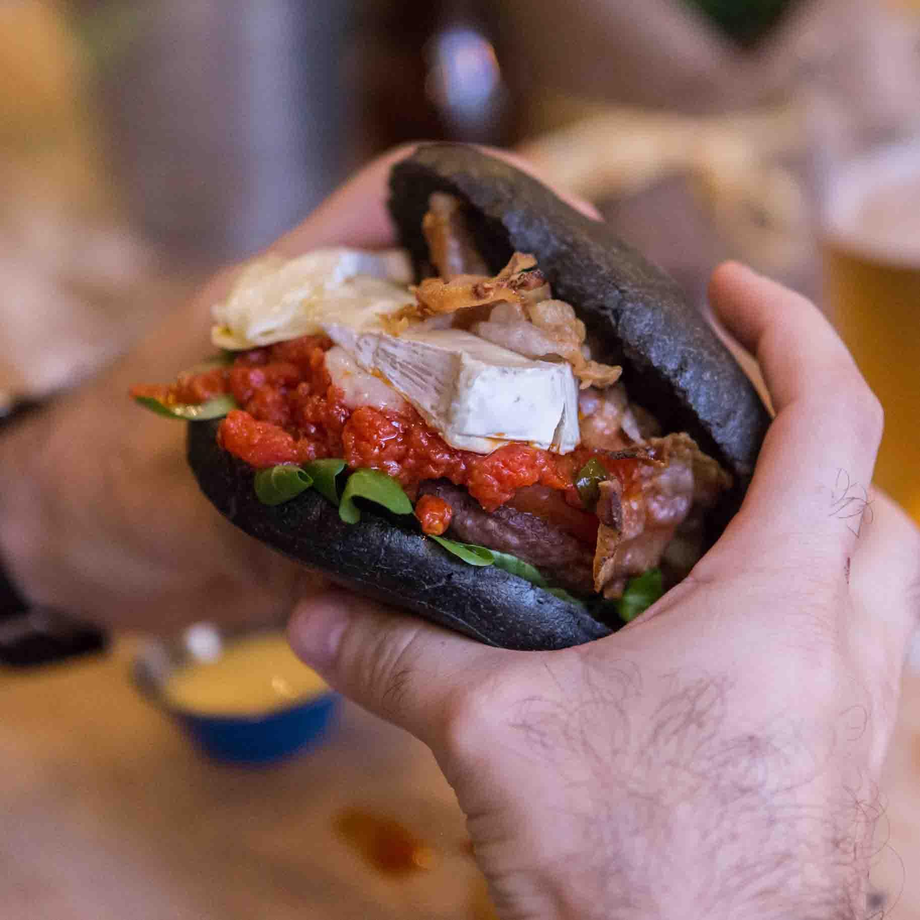 Emporio ladispoli Panini burger streetfood Pane nero