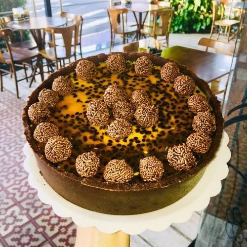Tortas-Doces-Maracujá-Chocolate