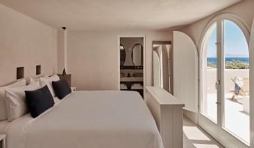 Istoria Hotel Perivolos Santorini Greece