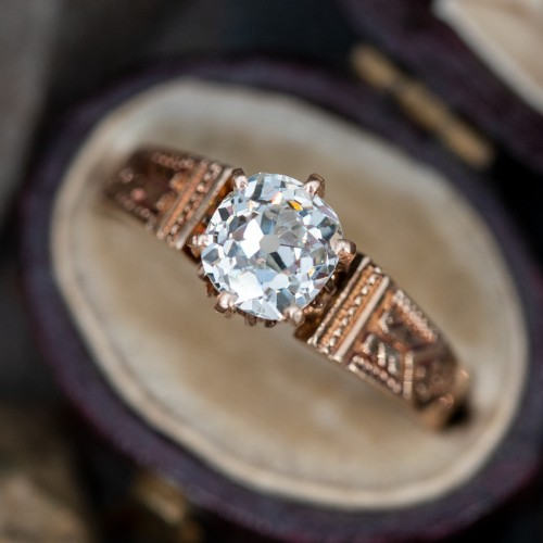 Engagement Wedding Ring-What to Look When Buying One?