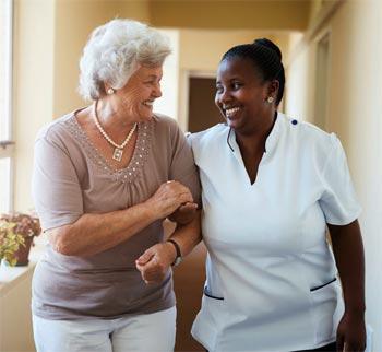 Cuidar a mayores en casa