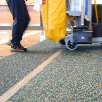 Expansion joint covers Migutrans FS 75 handles cleaning cart traffic at Orlando Airport Southwest terminal.