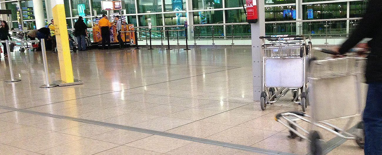 Airport floor expansion joint covers. Migutrans from Migua