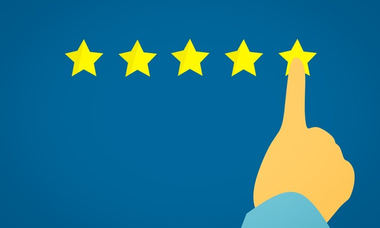 AN illustration of a person pointing to a five-star customer experience.