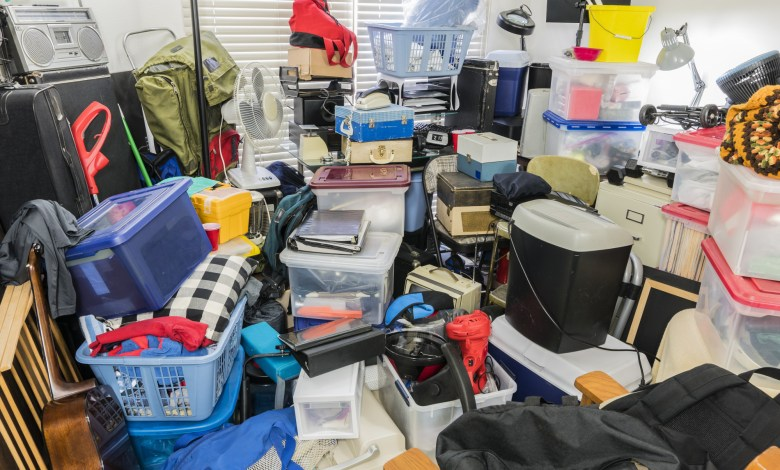 signs of hoarding