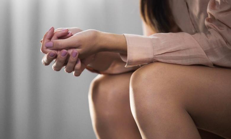 Is vaginal discharge a major symptom of vulvodynia