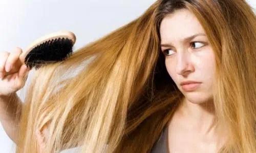 Aprende a tratar un cabello graso