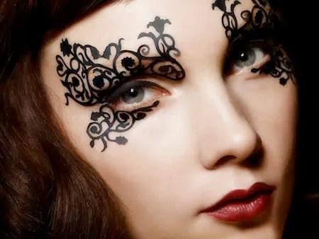 Aprende cómo aplicar maquillaje de encaje