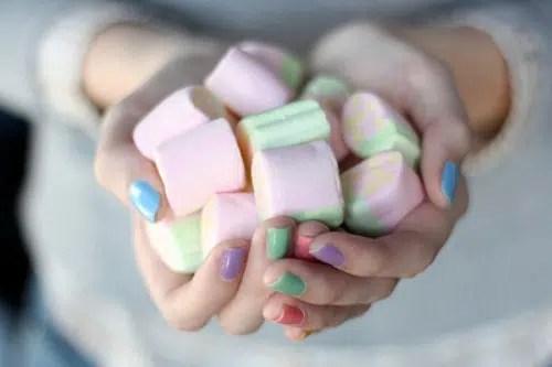 Aprende cómo fortalecer las uñas