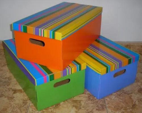 Cajas forradas en alegres colores