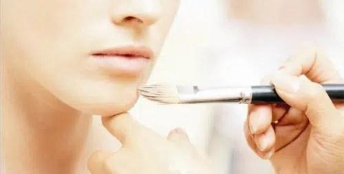 Cómo aplicar el maquillaje sobre una piel seca