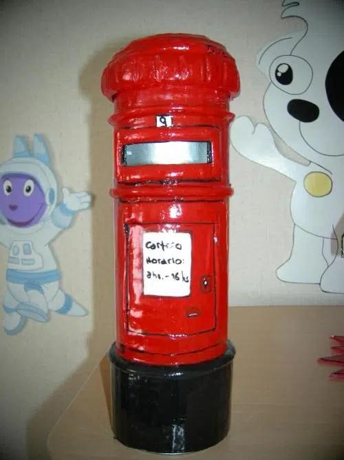 Cómo hacer un atractivo buzón de correos londinense
