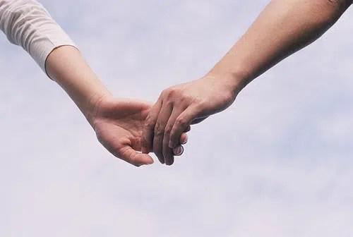 Conoce las cinco razones por las que un chico te trata con amiga