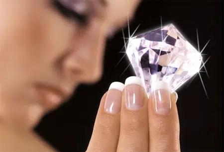 Conoce los alimentos que te harán lucir uñas saludables