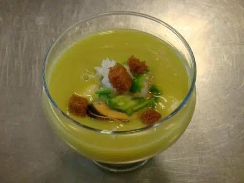 Entrante ligero y sabroso: Gazpacho de Aguacate.