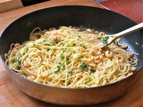 Espaguettis con gambas al ajillo