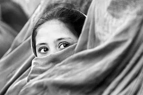 Las costumbres que pesan sobre las mujeres en Irán