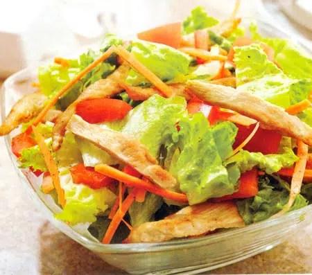 Ligera y Express: Ensalada de pollo y anacardos