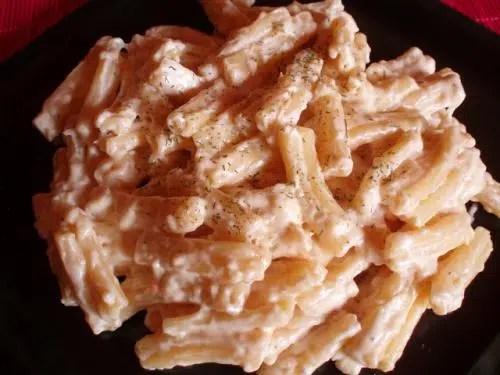 Macarrones con crema de queso