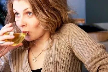 Mujeres beben más cuando están casadas