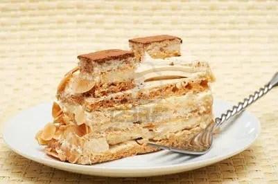 Pastel de merengue y crema, el broche de oro a tu menú