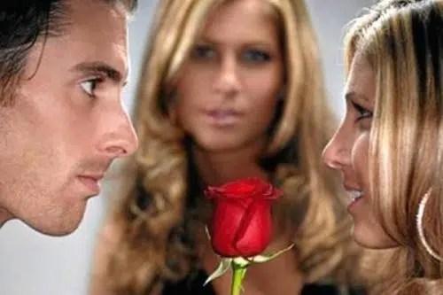 ¿Qué hacer si te has enamorado del ex de tu amiga?