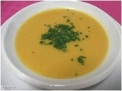 Sopa de col con queso