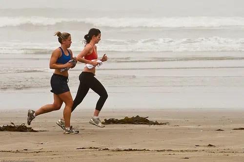 ¿Te gusta correr en las mañanas? Descubre si los estás haciendo correctamente