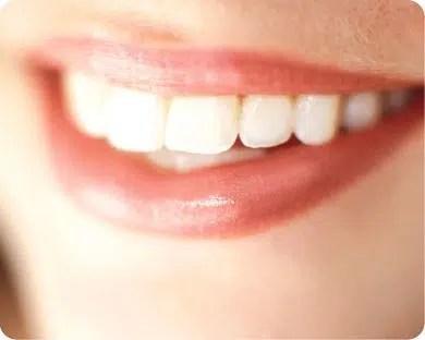 Tipos de maquillaje y blancura de los dientes