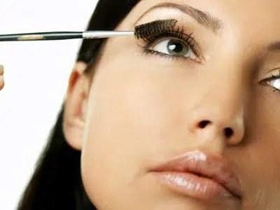 Trucos para un maquillaje antiarrugas