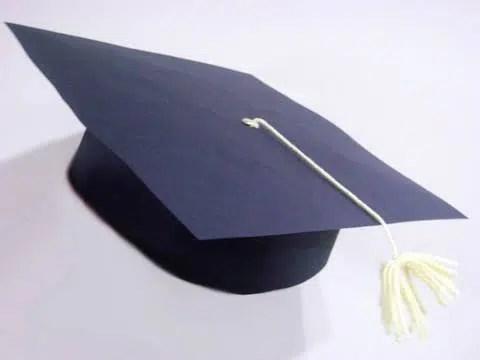 Un gorro de graduación en muy pocos pasos