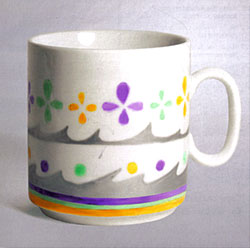 Un regalo fácil y divertido: una taza decorada