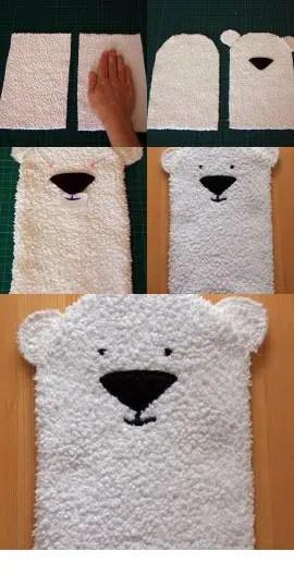 Una alegre manopla de baño con forma de oso polar
