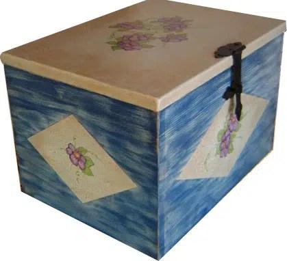 Una decorativa caja de madera para guardar nuestras cosas