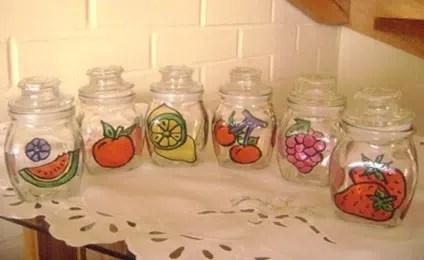 Unos útiles y decorativos tarros para la cocina