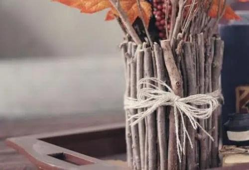 Vaso decorativo hecho con ramas