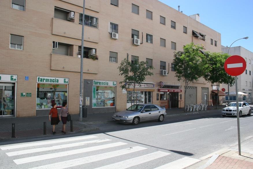 Locales comerciales en Pino Montano.