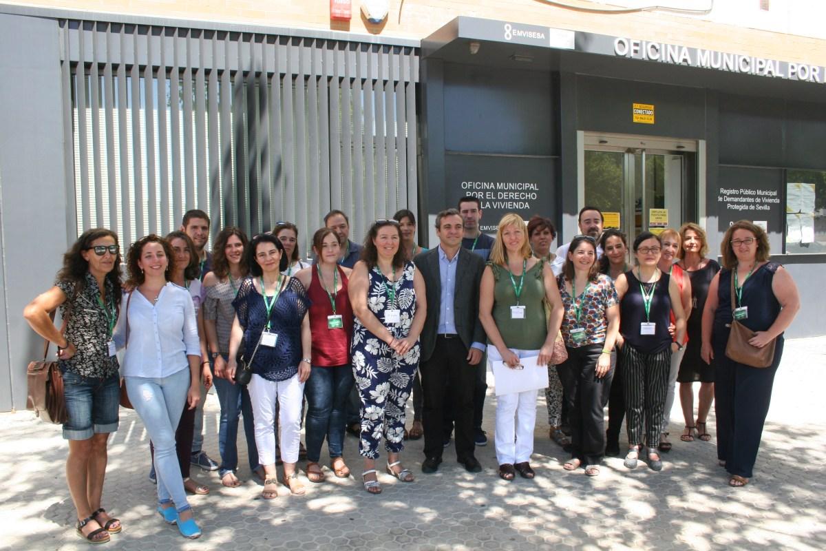 La Oficina Municipal por el Derecho a la Vivienda incorpora a 20 profesionales a través de los programas de empleo de la Junta de Andalucía.