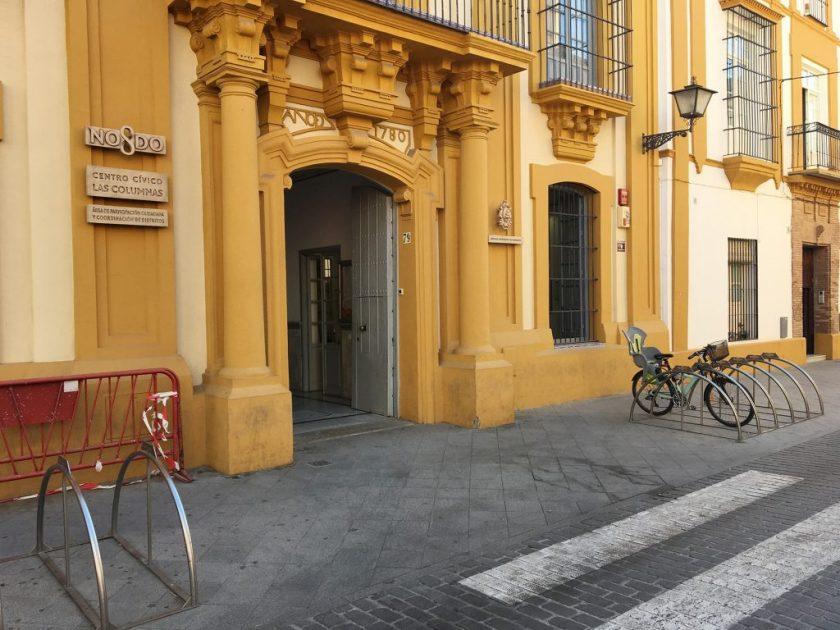 Centro Cívico Las Columnas, en la calle Pureza, 79 de Triana.