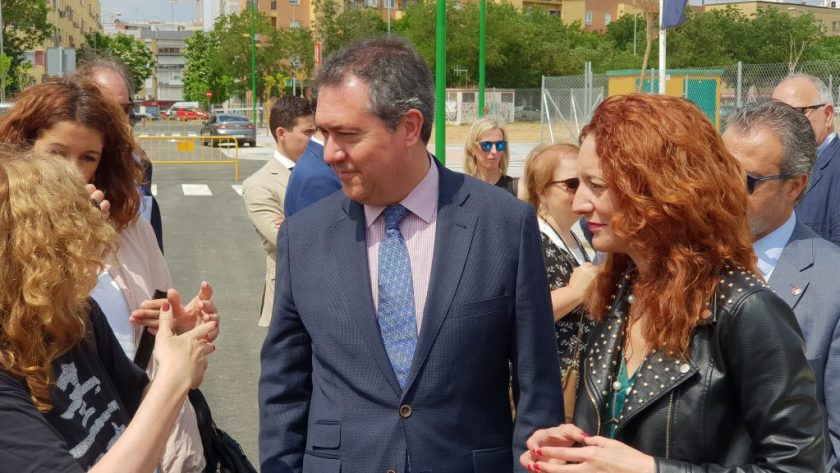 Juan Espadas en la presentación del proyecto de desarrollo urbanístico de Cisneo Alto.