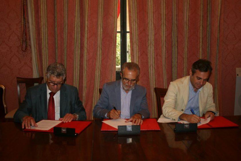 De izquierda a derecha, Rafael Caballero de Tena, Juan Manuel Flores y Felipe Castro.