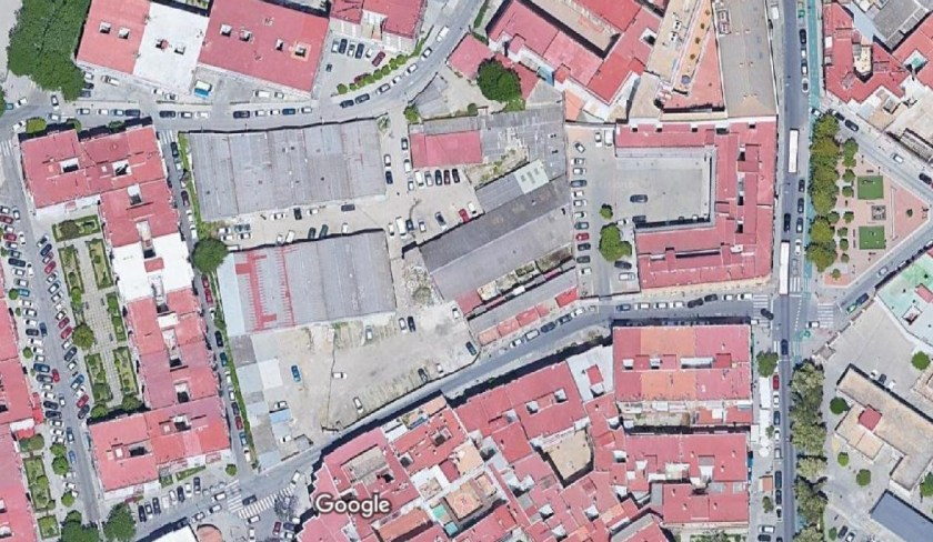 Solar en calle Tejares, Triana.