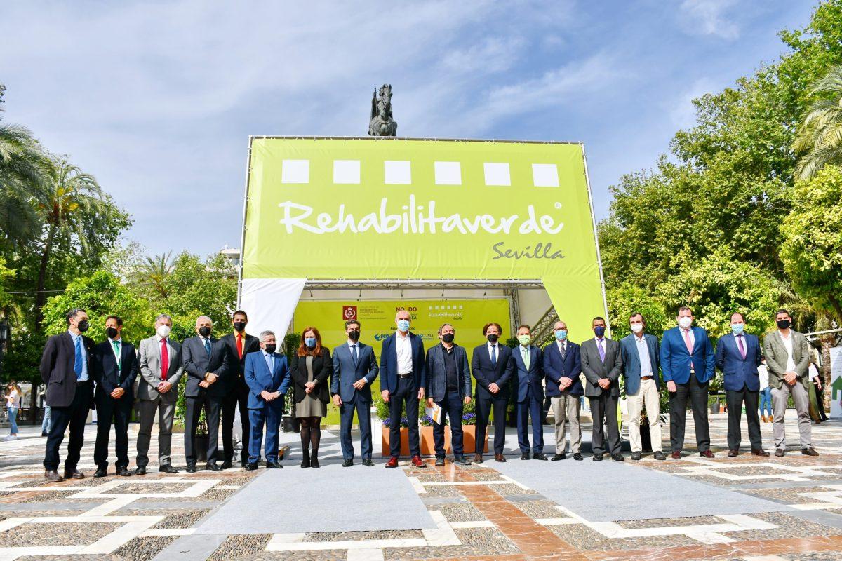 El Ayuntamiento de Sevilla, Emvisesa y el Colegio de Aparejadores y Arquitectos Técnicos promueven la eficiencia energética y la construcción sostenible a través de Rehabilitaverde con conferencias y espacios expositivos abiertos a la ciudadanía