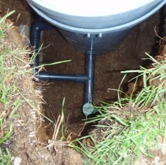 入水配管側