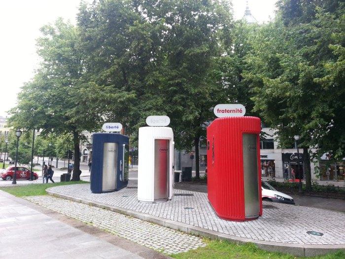 Toilettes République Française liberté égalité fraternité Oslo