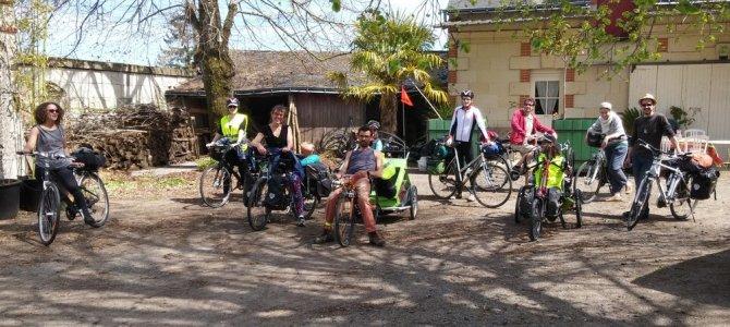 """Week-end Loire à vélo en groupe avec les """"Vélos volants"""""""