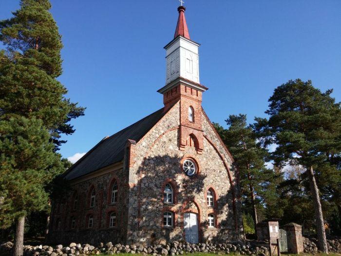 église à Haademeeste