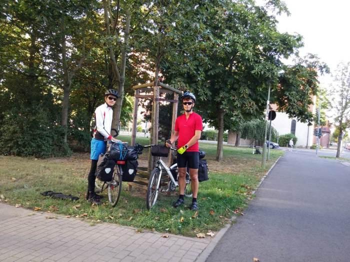 Piste cyclable à la sortie Est de Berlin